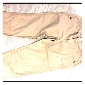 Old navy Capri khaki chinos size 6
